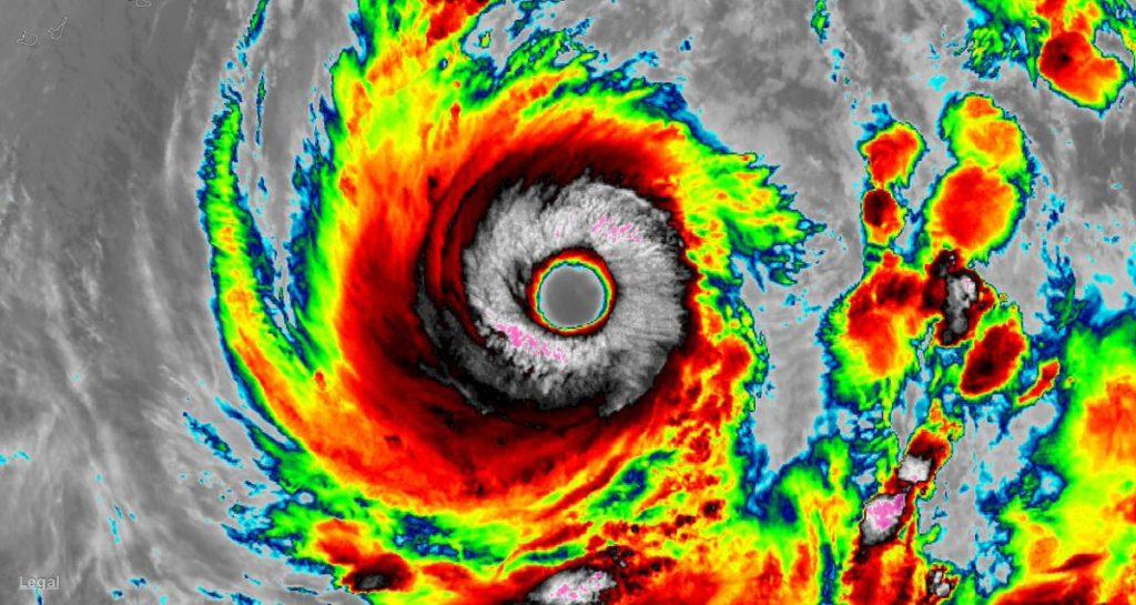Japón afectado por el tifón Lan