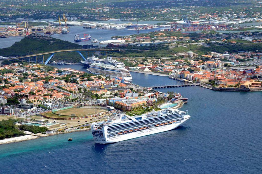 Curazao entre los principales puertos de cruceros regionales