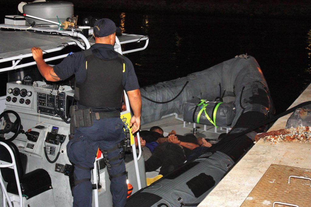 Guardia Costera arrestó a un presunto traficante de personas