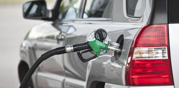 Anuncian cambio en precios de combustibles, agua y electricidad