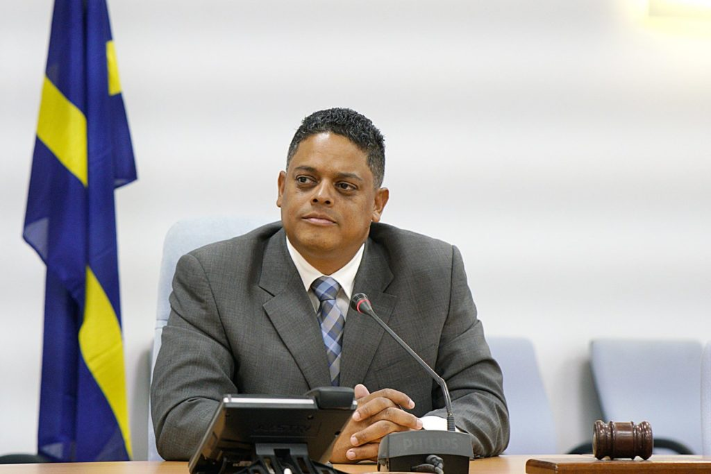 Gobierno propone ley de emergencia para soslayar la burocracia