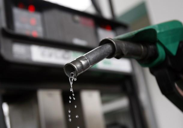 Falla en estación de servicio en Punda causa derrame de gasolina
