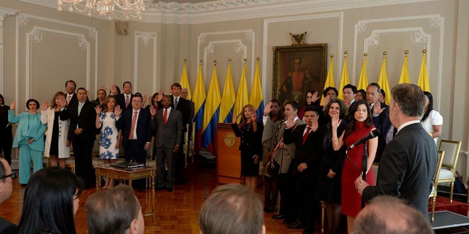 Presidente Santos juramenta magistrados para consolidar la paz