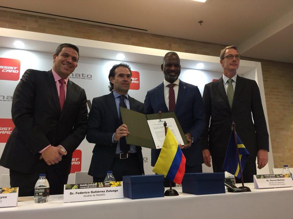 Curazao y Medellín firman alianza para fortalecer el turismo