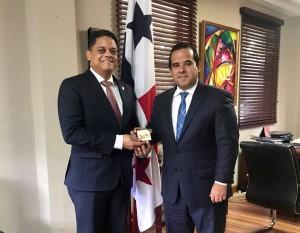 Primer Ministro se reúne con el Ministro de Agricultura de Panamá