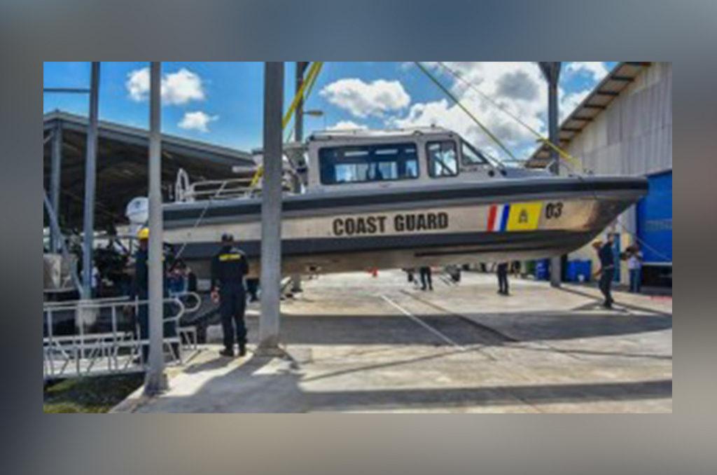 Flota de Metal Sharks llega para reforzar labores de Guardacostas