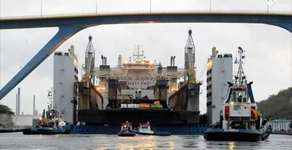Curazao dio la bienvenida a dos nuevos diques flotantes