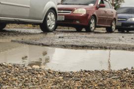 Obras Públicas (OW) se ocupa de los baches para evitar accidentes