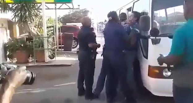 Video revela presunto abuso policial contra un venezolano en Curazao
