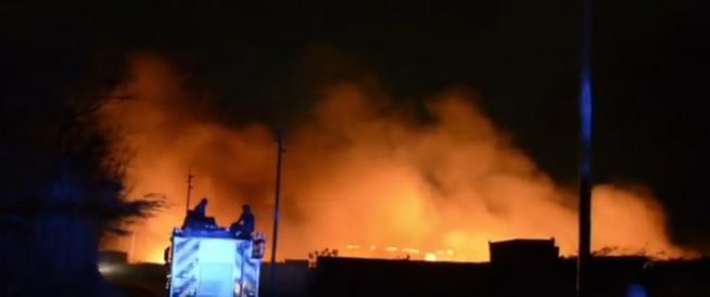 Incendio en planta de reciclaje en Muizenberg