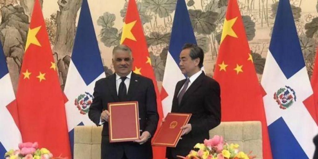 China niega haber logrado relaciones con República Dominicana a cambio de ayuda económica