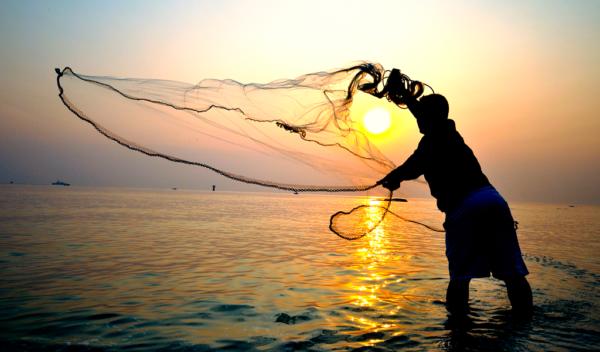 Gobierno inicia proyecto para formación de pescadores profesionales