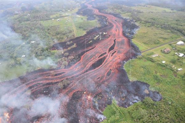 El volcán Kilauea de Hawái vuelve a erupcionar y amenaza el suministro eléctrico
