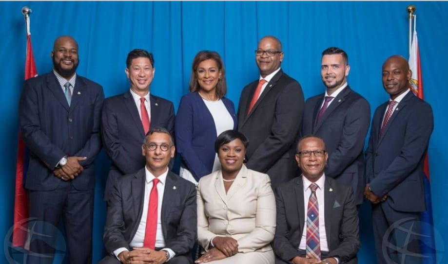 San Martin juramentó a su 7mo gabinete en 8 años