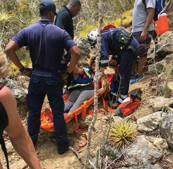Dama rescatada tras sufrir accidente en cerro Christoffel