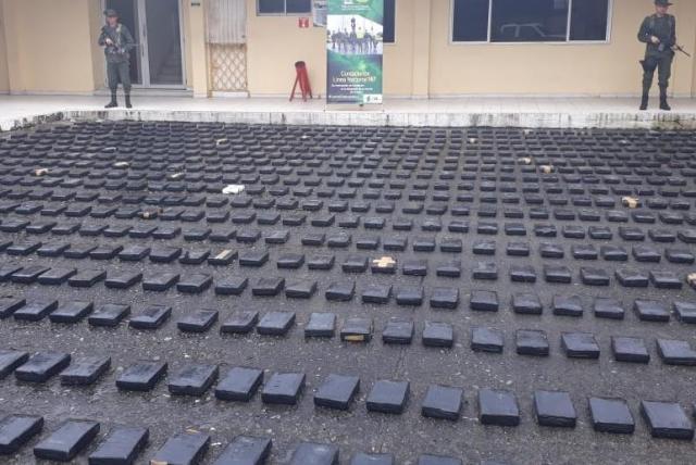 En un contenedor iban a mandar 835 kilos de cocaína a Holanda