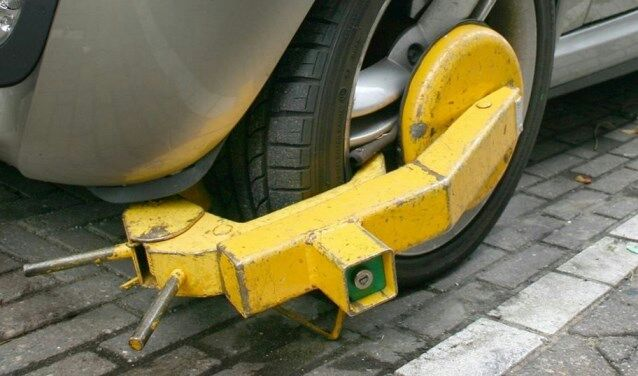 Comerciantes se quejan por políticas de estacionamiento en Punda