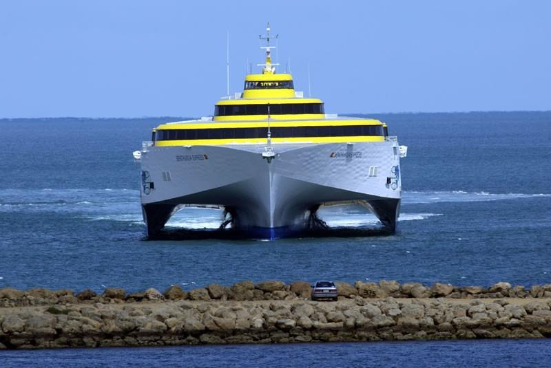 Acuerdos para servicio de ferry estarán listos en pocos meses