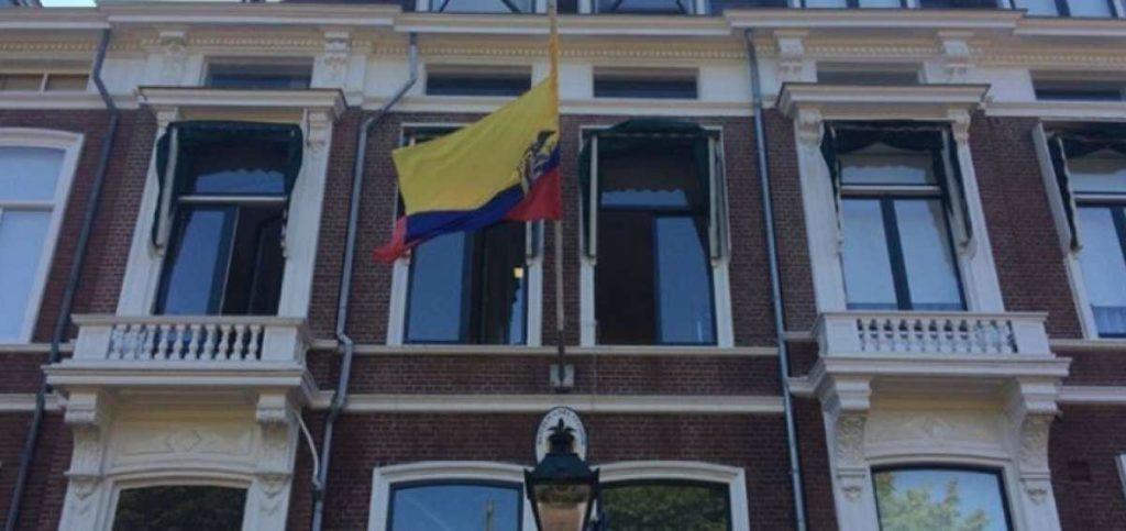 Ecuador reabre su embajada en Holanda para «abrirse al mundo»