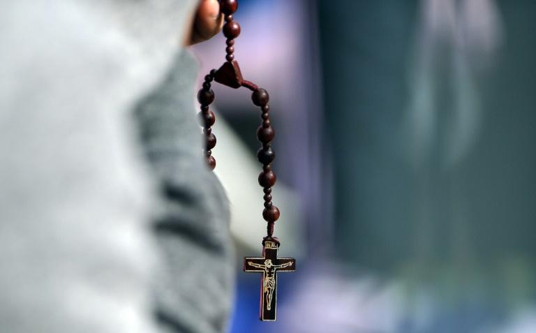 """El Vaticano siente """"vergüenza"""" tras el caso de curas pederastas en EEUU"""