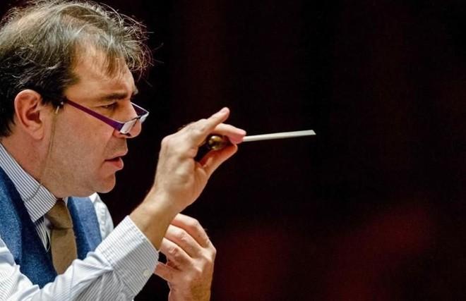 Orquesta Real despide a su director por acoso sexual