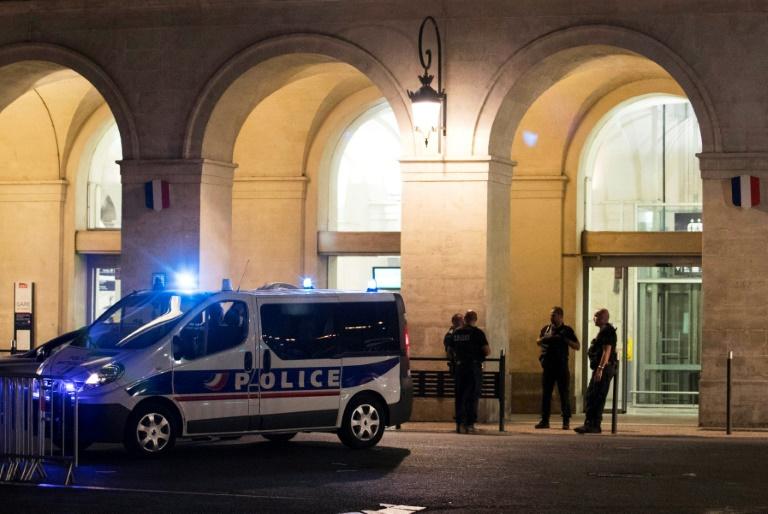 Dos heridos por la embestida de un coche contra peatones en Francia