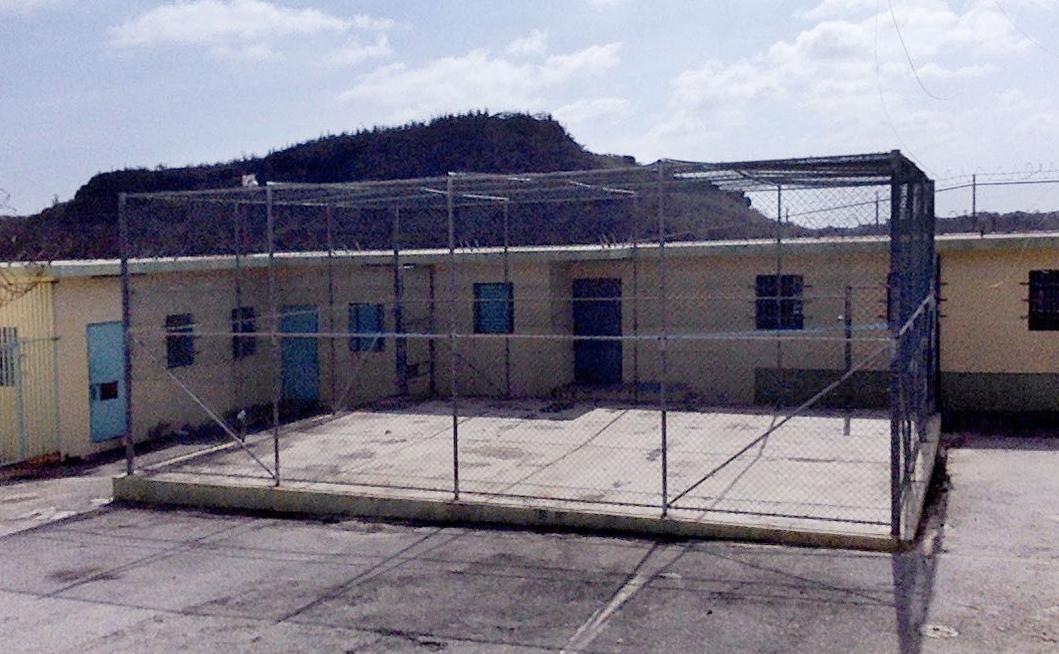 Dos detenidos por conducir drones sobre la prisión