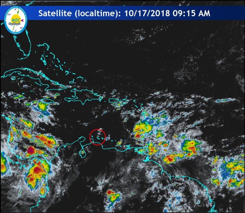 Onda tropical avanza desde el este por el Caribe