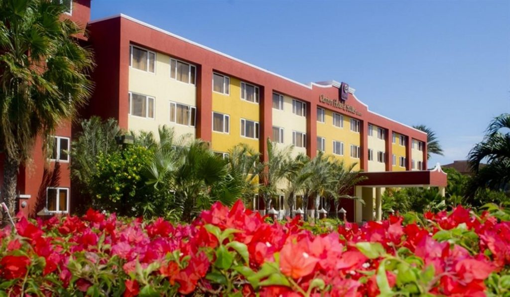Hotel Clarion pasa a manos de On Vacation