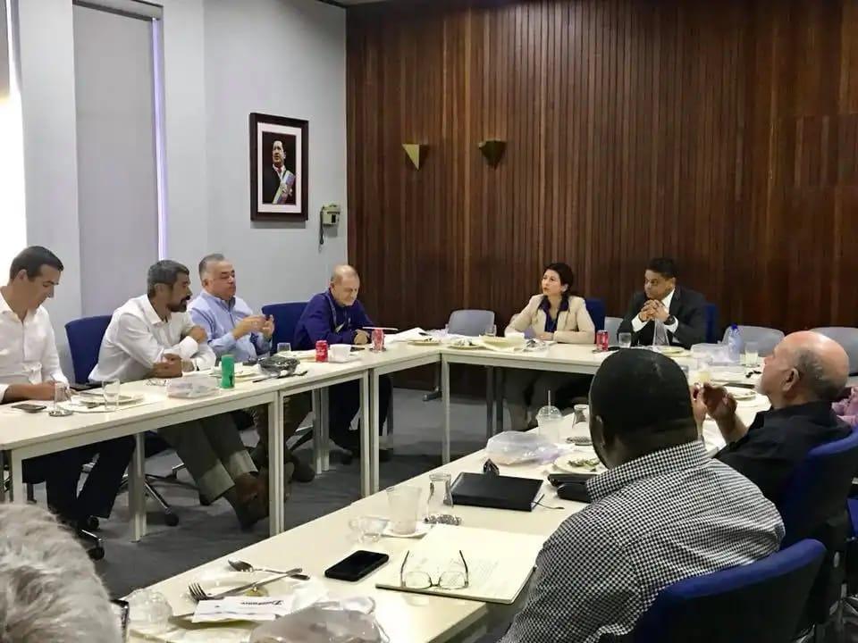 Primer Ministro se reunió con representantes de la refinería