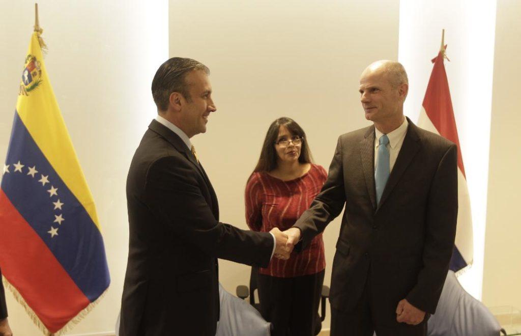 Parlamentarios holandeses siguen cuestionando acuerdo entre ministro Blok y Vicepresidente venezolano