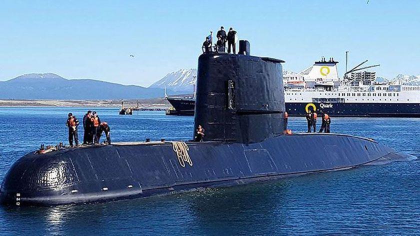 Continúa la búsqueda del submarino argentino desaparecido hace un año