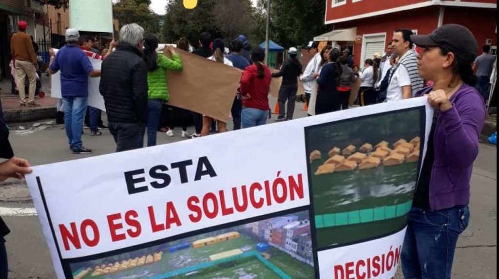 Colombianos protestan por llegada de venezolanos