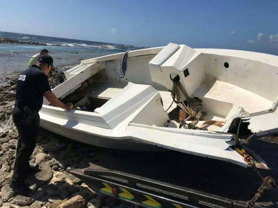 En Aruba consiguieron un bote abandonado proveniente de Venezuela