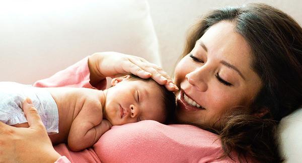 Este tierno gesto reduce el dolor en bebés