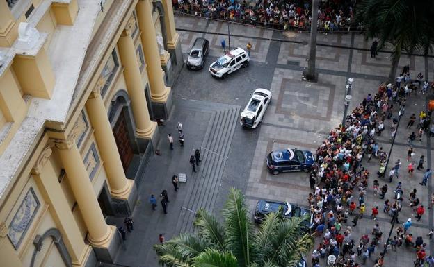 Masacre en catedral de Brasil deja 4 muertos