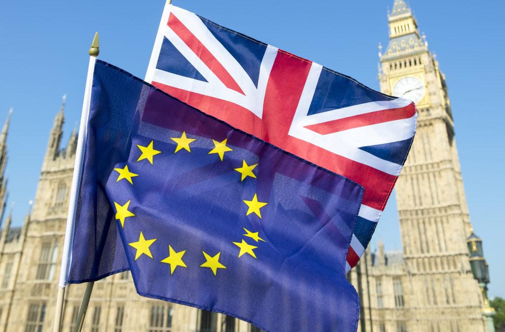 Parlamento de Reino Unido rechaza el Brexit