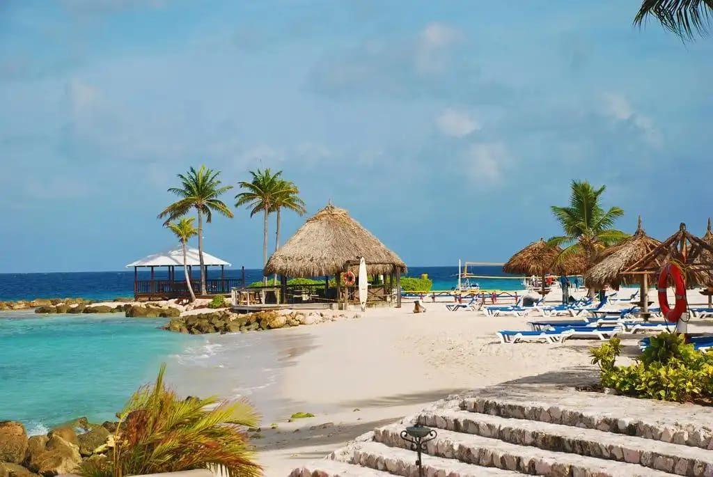 Playa del hotel Marriott nuevamente abierta al público