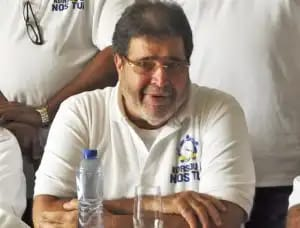 Parlamentario Dos Santos criticó al segundo de su propio partido