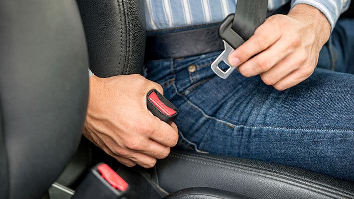 Cuerpo Policial advierte sobre uso del cinturón de seguridad