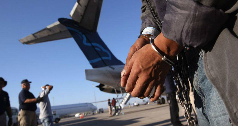 Curazao continúa expulsando venezolanos a pesar de las críticas