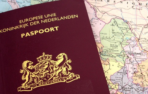 Sacar un pasaporte costará 200 florines