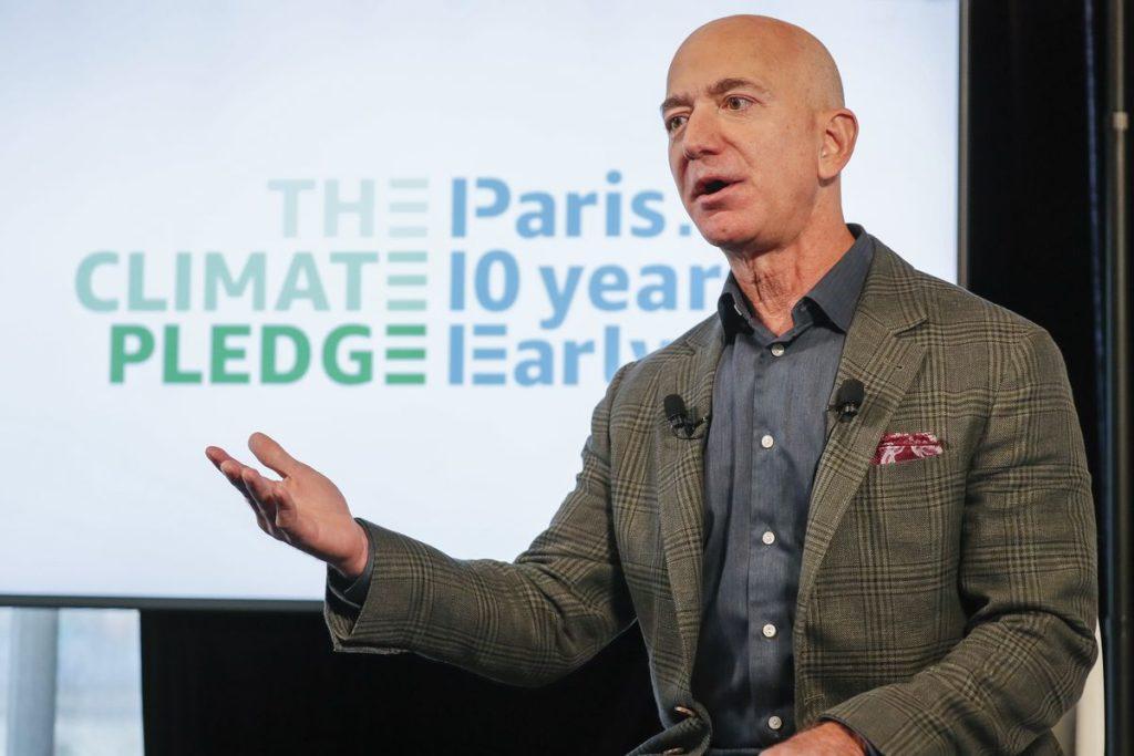 Amazon no quiere contaminar y entregará pedidos en autos eléctricos