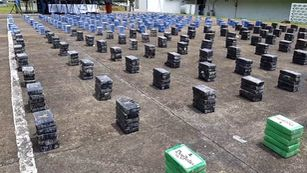 Autoridades de Panamá incautan 1.7 toneladas de droga