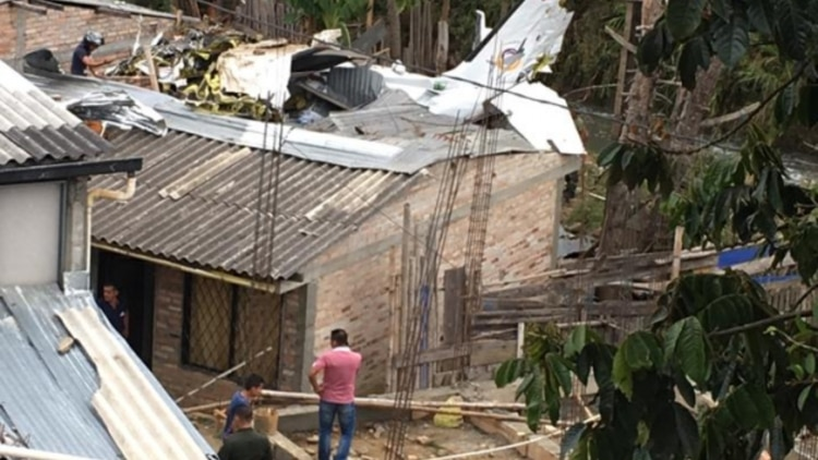 Accidente aéreo deja siete personas fallecidas