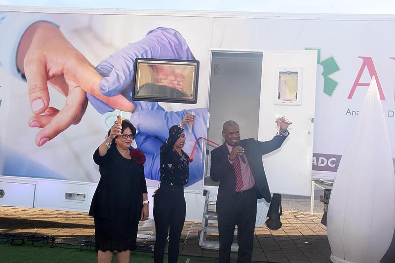 ADC ofrece un bus de salud