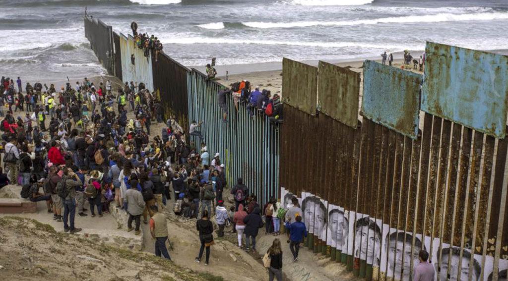 Corte Suprema de EE.UU aprueba restricciones de asilo