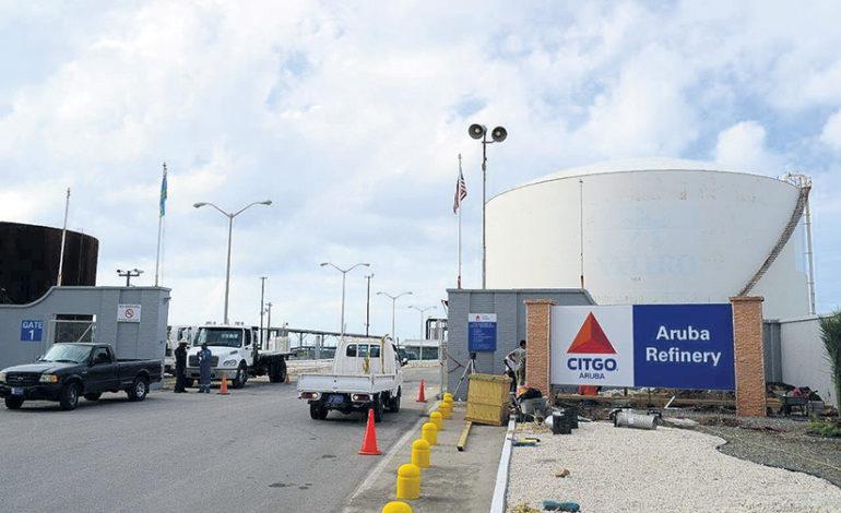 """Aruba busca socio """"serio"""" para operar su refinería"""