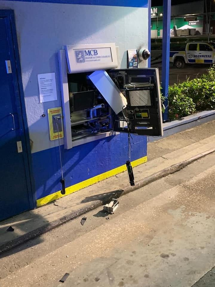 Reportaron la explosión de dos cajeros automáticos